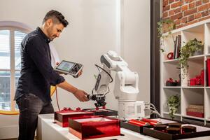Survey highlights shift in attitudes towards robots caused by COVID